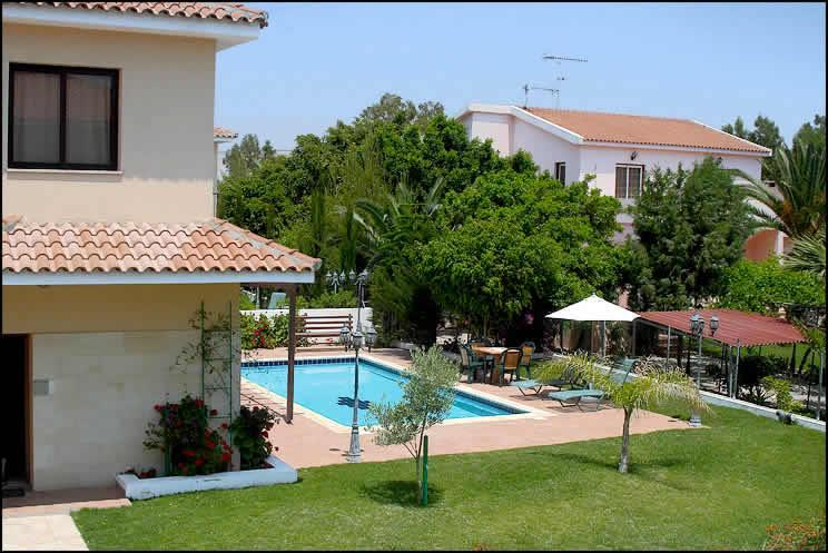 Four bedroom villa - Reginas 4 bdr villa,private pool,wi-fi,2 km fm sea - Oroklini - rentals