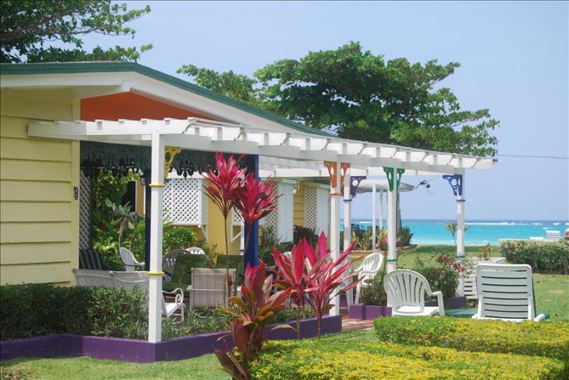 PARADISE PCA - 83333 - CHARMING 4 BED OCEANFRONT VILLAS WITH POOL - OCHO RIOS - Image 1 - Ocho Rios - rentals