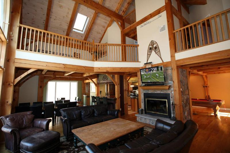Stunning Living Area - EXCEPTIONAL LUXURIOUS POCONOS PROPERTY! - East Stroudsburg - rentals
