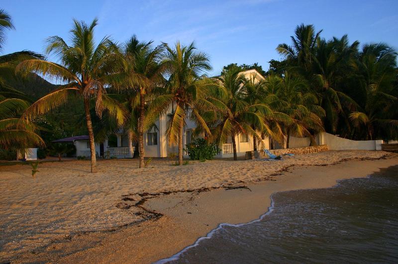 The beach - Jamelah Beach Apartment - Au Cap - rentals