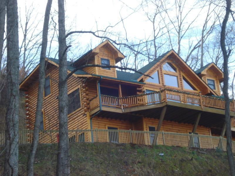 Jus Hi Enuff 2 - Jus Hi Enuff Exec Log Cabin in Maggie Valley NC - Maggie Valley - rentals