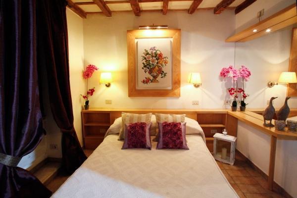 CR655 - Navona Romantic Maisonette - Image 1 - Rome - rentals