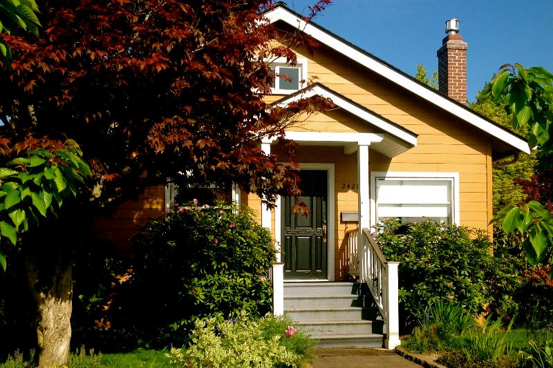 Charming 2 Bedroom Cottage near Mt. Tabor - Image 1 - Portland - rentals