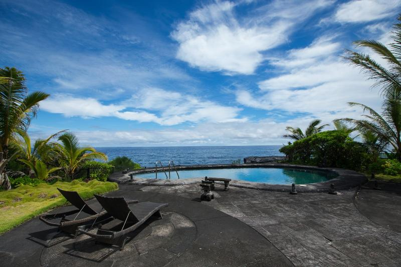 Oeanfront Luxury Estate 3.5 Bdr. Heated Pool & Spa - Image 1 - Big Island Hawaii - rentals