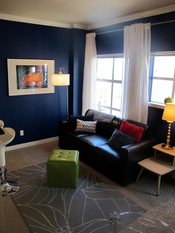 * Pike Place * NEW PICTURES, Secure Parking, VIEWS - Image 1 - Seattle - rentals