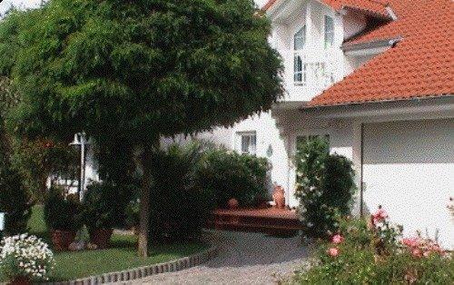 LLAG Luxury Vacation Apartment in Niedenstein - 861 sqft, large, spacious, romantic (# 3104) #3104 - LLAG Luxury Vacation Apartment in Niedenstein - 861 sqft, large, spacious, romantic (# 3104) - Niedenstein - rentals