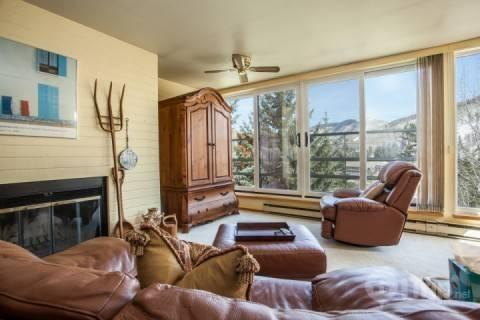 Vail's Largest Indoor Pool, Hot Tubs, Free Shuttle to Slopes~ Family Mountain Fun Awaits! - Image 1 - Vail - rentals