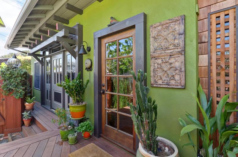 Welcome to The Carriage House - Luxurious Artistic Carriage House in Mission Hills - Pacific Beach - rentals