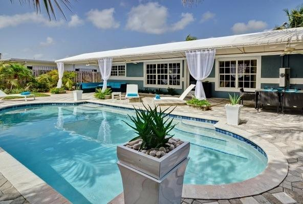 Your Beautiful Private Pool - SKY: Modern Luxury at it's Finest! Close to Beach! - Fort Lauderdale - rentals