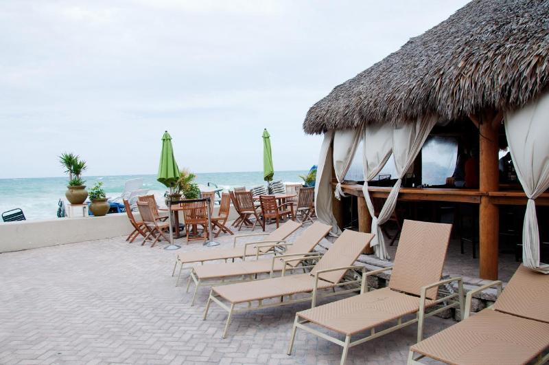 Beach Paradise in Fort Lauderdale - Image 1 - Fort Lauderdale - rentals