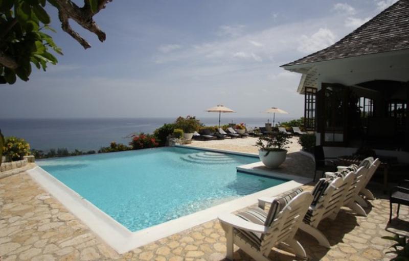 PARADISE TRYALL NO LE HACE 5 BEDROOM VILLA - Image 1 - Montego Bay - rentals