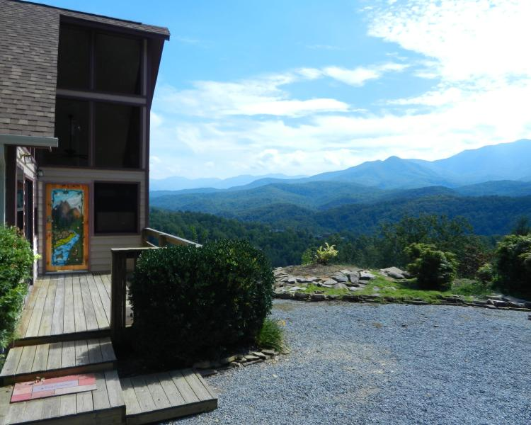 What a View!!!!!!!!!!!!! - Perfect View, Quiet, Comfortable, Romantic - Gatlinburg - rentals