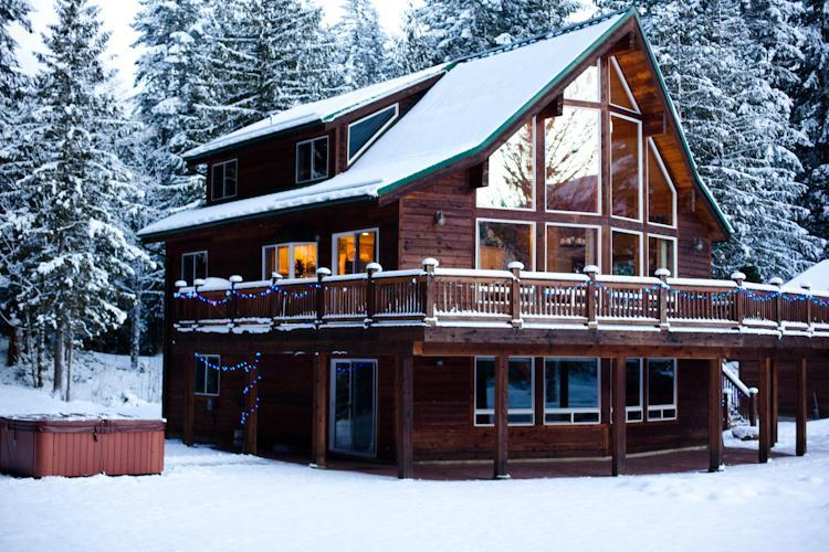 3 bedroom lodge w /hottub - The Sky Lodge Amazing 3 BDRM & Hottub Stevens Pass - Skykomish - rentals
