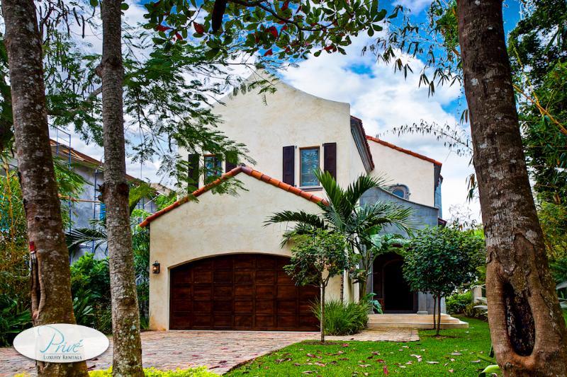 Club Villa of Old Fort Bay - Image 1 - Nassau - rentals