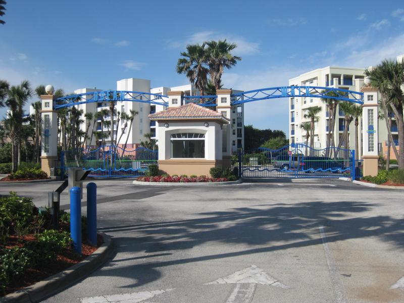 Oceanwalk is a beautiful gated community filled with amenties at hand - 3 BDRM. JUNE 2-13TH GIVEAWAY!! $900 + CLEANING - New Smyrna Beach - rentals