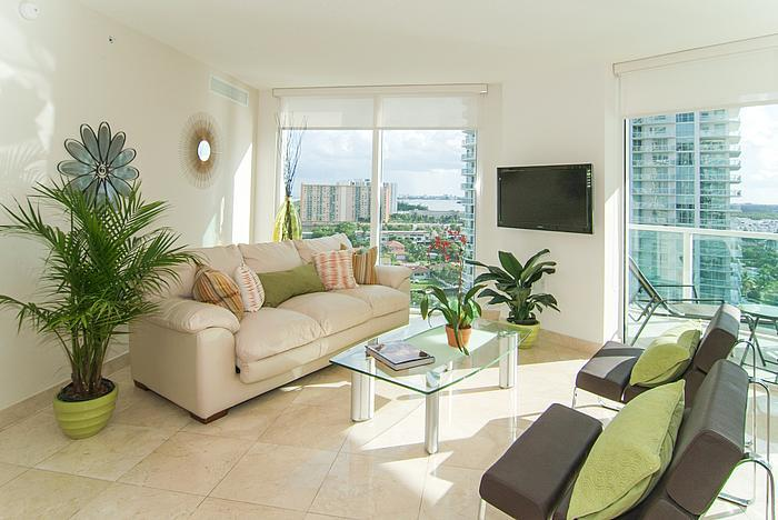 Living Room - SUNNY ISLES SPECTACULAR BRAND NEW 5 STAR CONDOMINIUM!! LUXURY 3 BEDROOMS WATERFRONT !! - Sunny Isles Beach - rentals