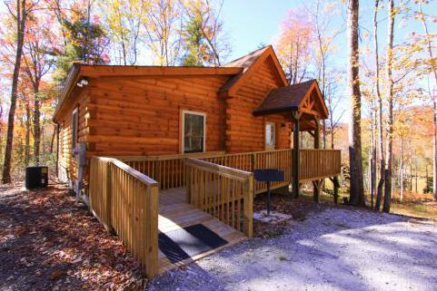 ADA entrance/wheelchair accessible - Frank's Knoll, sleeps 6 /handicap accessible - Sapphire - rentals