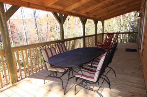 Dining on the porch - Blue Ridge-Easy parking, great sunset view! - Sapphire - rentals
