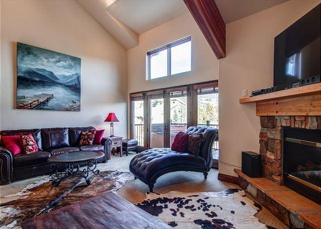 Marina Park, Living Area, Frisco Lodging - Marina Park 18D Luxury Townhome Hot Tub Downtown Frisco Colorado Vacation - Frisco - rentals