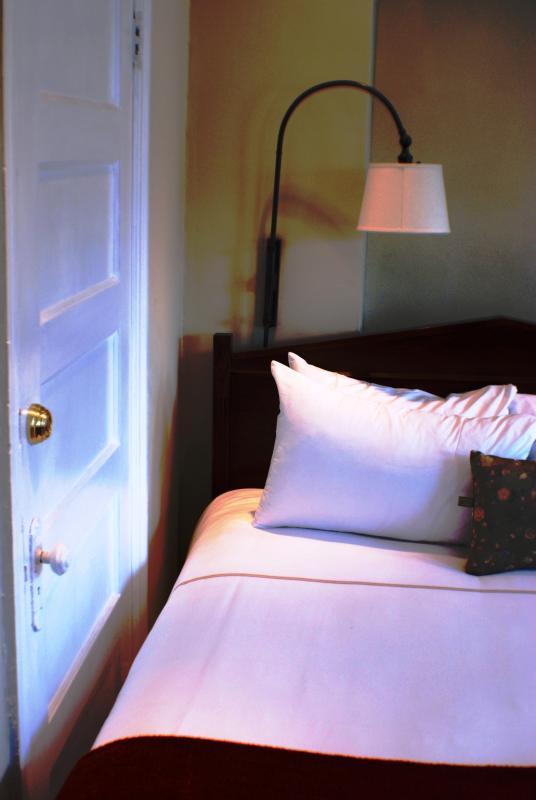 Fine Egytian Linen - Six Bdrm Home w/ 3 kit, 4 full baths-Sleeps up-16 - Washington DC - rentals