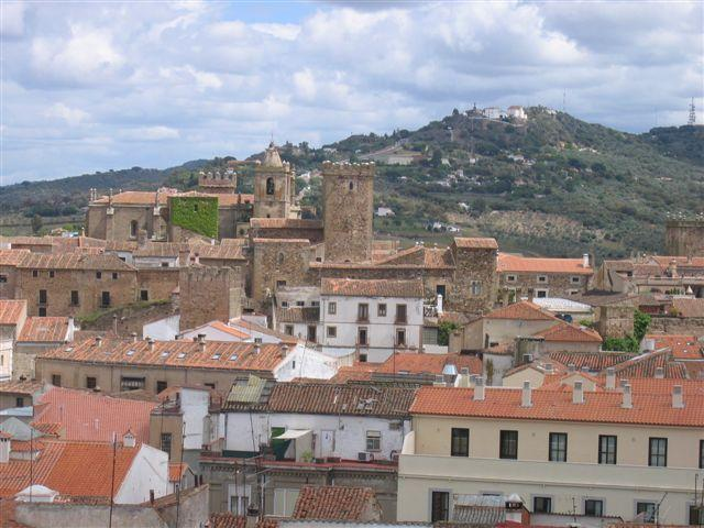 view from balcony of medieval city - big sunny flat with great views - Caceres - rentals