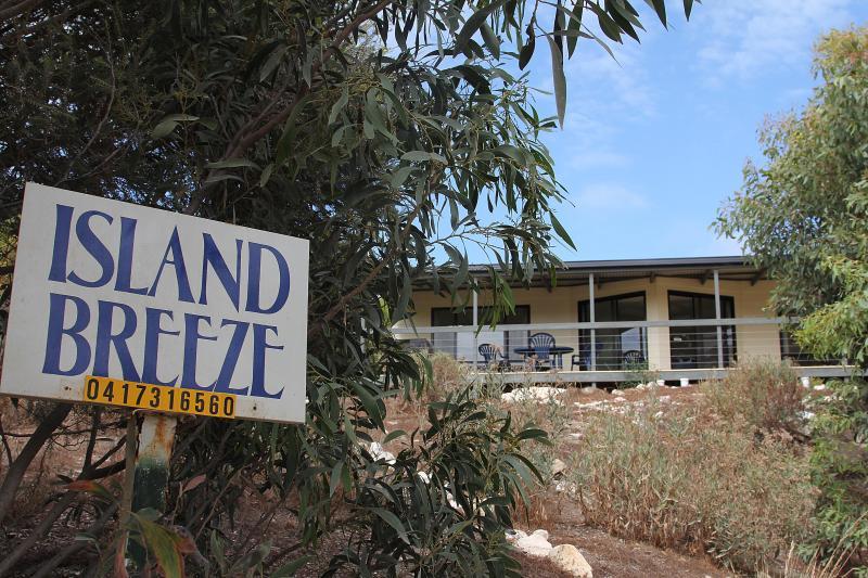 Street view - Beach, wildlife and comfort - Vivonne Bay, KI - Kangaroo Island - rentals
