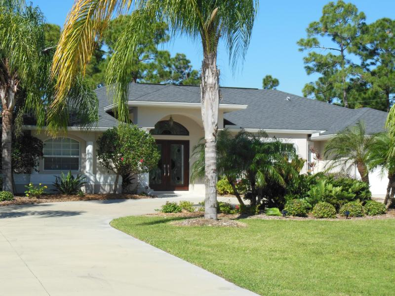 Beautiful Private 3 Bedroom Pool Home in South Fl - Image 1 - Port Charlotte - rentals
