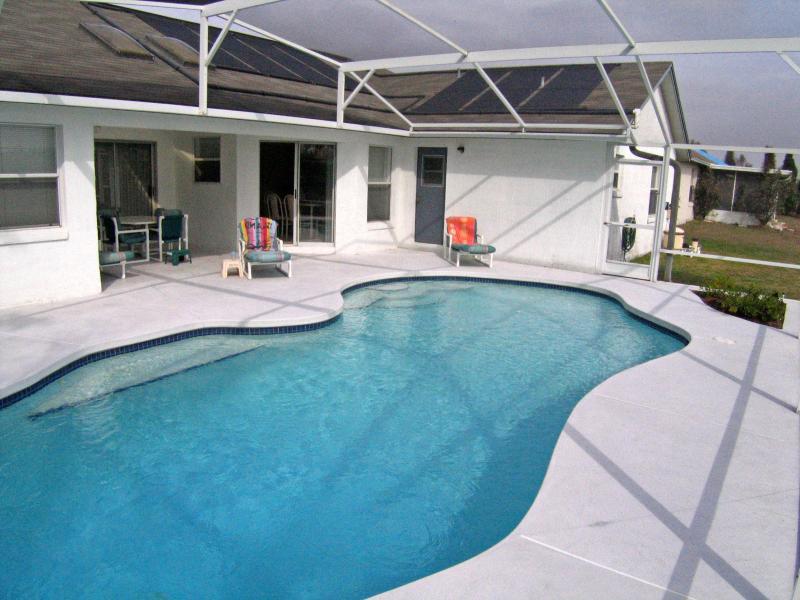 Pool, looking towards Villa - Highly Recommended 3 Bed, 3 Bath Villa - Davenport - rentals