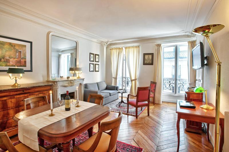 Classic Luxe in Best Location Ctral A/C 2BedR+2BhR - Image 1 - Paris - rentals