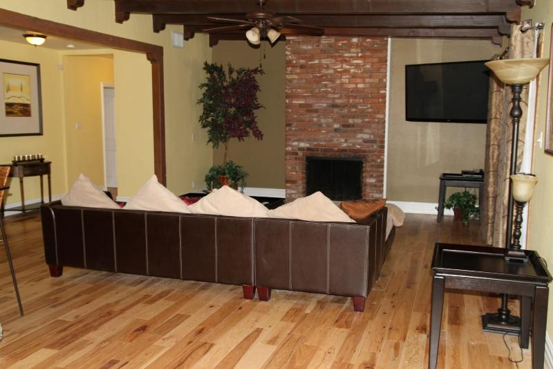 Remodeled 3BR/3BA W/ Pool in Historic Area - Image 1 - Las Vegas - rentals