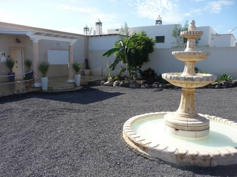 Holidayhome Villa Atlantico - Image 1 - Lanzarote - rentals
