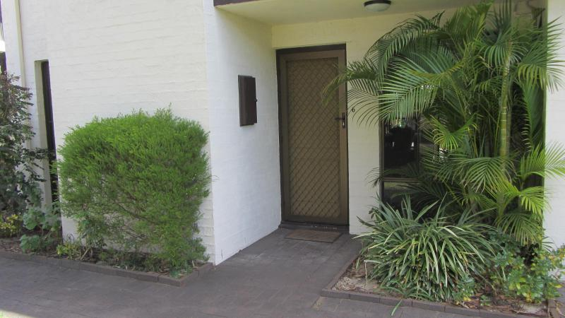 Front Entrance - Perth, Western Australia - Inglewood Holiday Unit - Inglewood - rentals