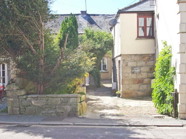 BEAU COTTAGE village centre, courtyard garden in Saint Columb Major Ref 29484 - Image 1 - Saint Columb Major - rentals