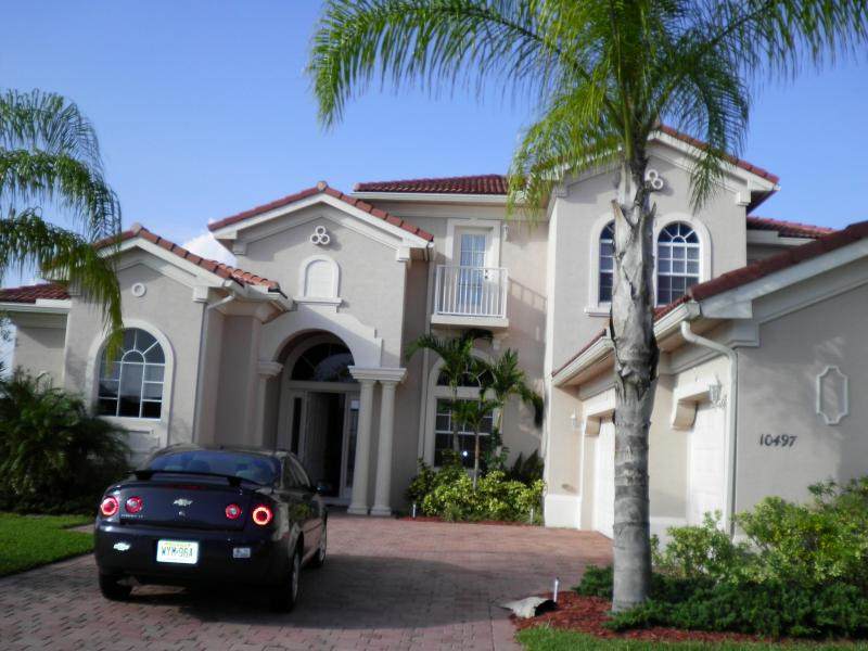 Luxury 5 Bedroom Home With Pool/spa - Image 1 - Port Saint Lucie - rentals