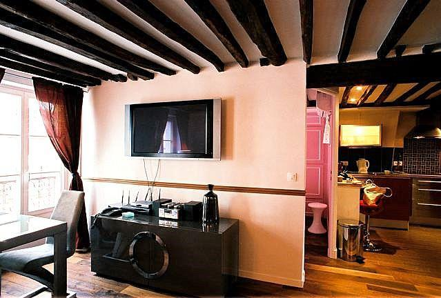 4 Bedroom Paris Apartment with Eiffel Tower Views - Image 1 - Paris - rentals