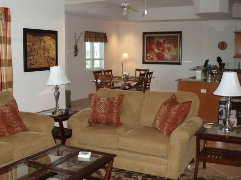 Open concept living - dining room - Linda's Resort-beach condo on Manasota Key - Englewood - rentals