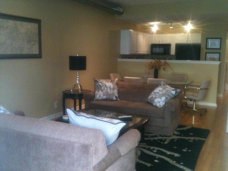 Living room view from entry. - 2 bed/2.5 bath Historic District  Luxury Townhouse - Louisville - rentals