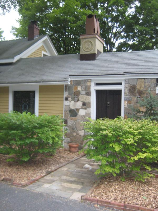 The Cottage at Great Falls - Image 1 - Falls Village - rentals