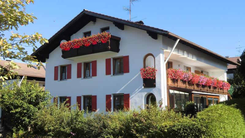 our house - spacious,lovely 2-3 bedroom apartment near Fuessen - Hopferau - rentals