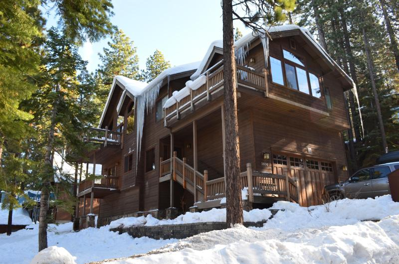 Exterior view with the snow - Heavenly Valley Mackedie Cabin, Sleeps 14, 5BD/3BA - South Lake Tahoe - rentals