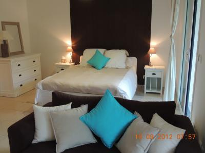 Leandre Studio in Cannes, with a Balcony and Pool - Image 1 - Cannes - rentals