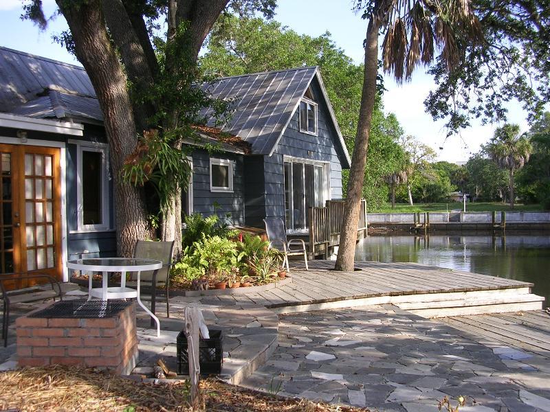 Waterfront Patio - Waterfront Downtown Sarasota Vintage Home - Sarasota - rentals