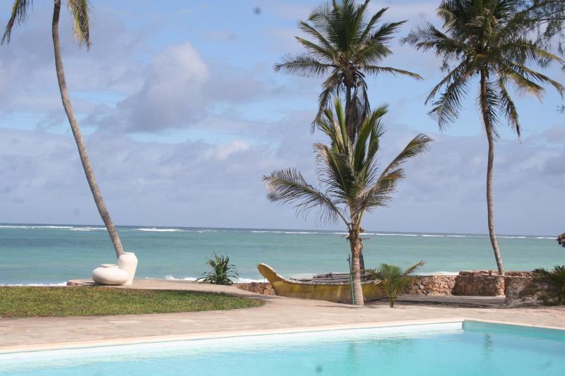 Pool - Baharini, Diani,  3 bedroomed Cottage on beach - Diani - rentals