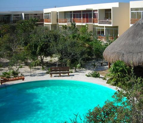 2 bedroom condo with pool, steps to the beach! - Image 1 - Progreso - rentals