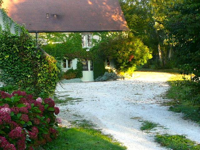 Moulin de Cussigny Charming 3 bedroom cottage - Image 1 - Corgoloin - rentals