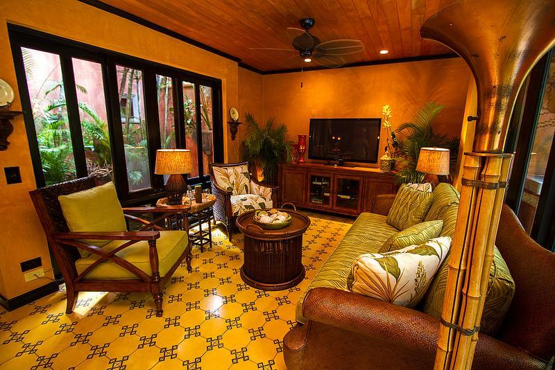 Beautifully decorated living room with 50 inch flat screen tv - Villa Oasis - A luxury Villa just steps from beach - Tamarindo - rentals