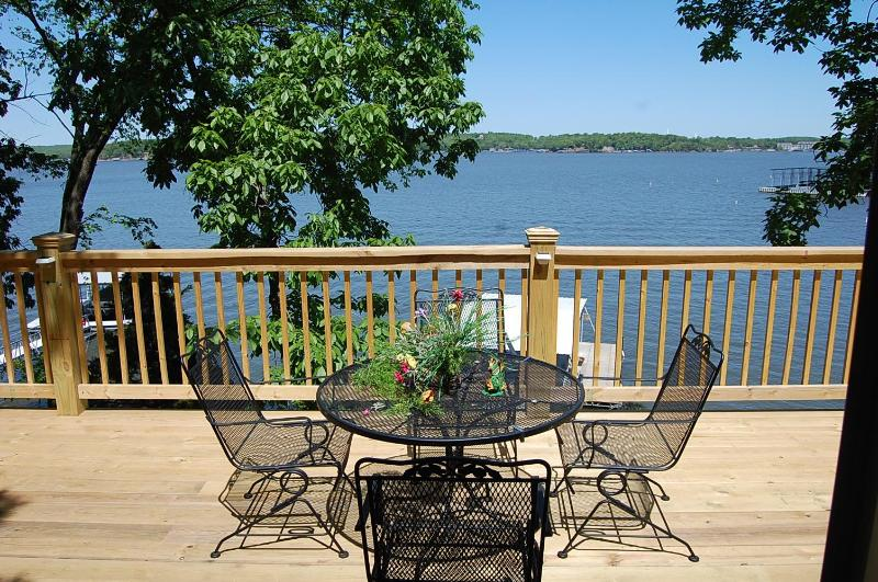 Gorgeous views - Boat slip, private dock, hot tub & 7th NIGHT FREE - Lake Ozark - rentals