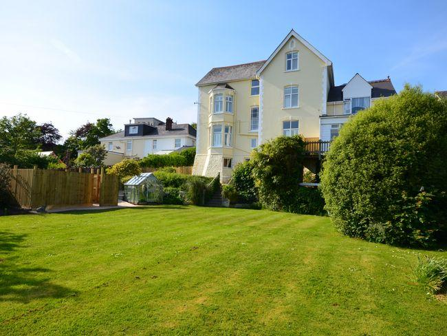 View of the rear of the property enclosed garden and hot tub - BEAHO - Bideford - rentals