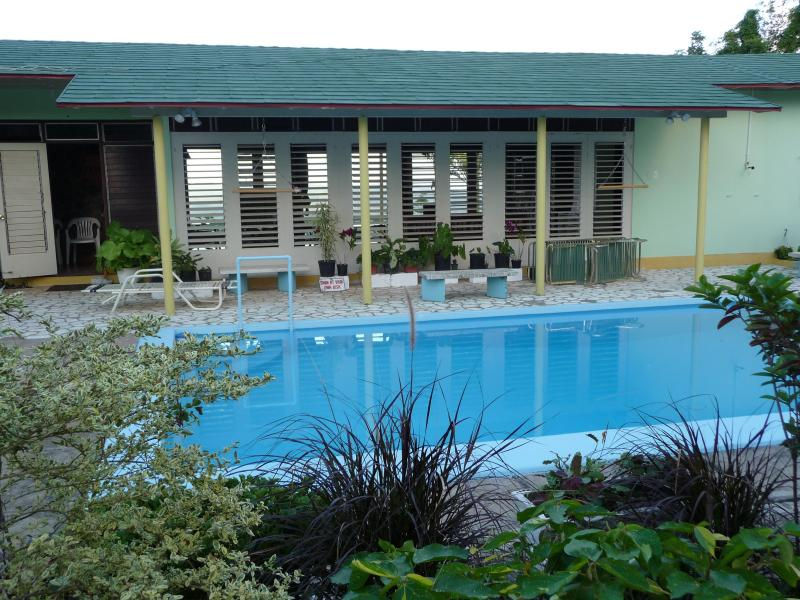 Poolside - 4 bedroom private villa near Ocho Rios - Jamaica - rentals