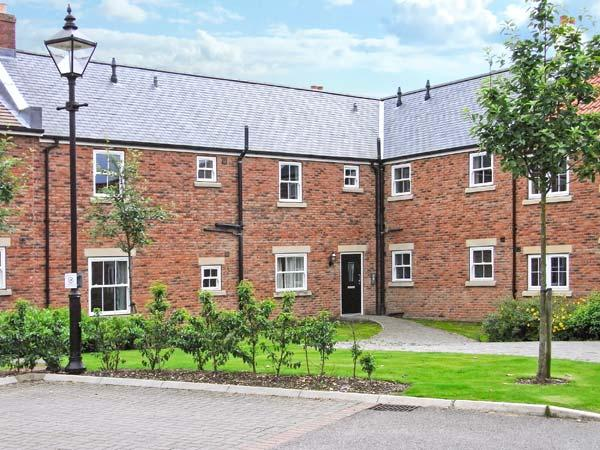 BLUE WATERS, on-site facilities, off road parking, communal gardens, in Filey, Ref 17276 - Image 1 - Filey - rentals